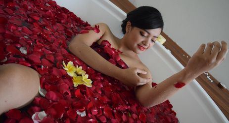 Spa center is had 6 rooms with esthetic center, and beauty shop