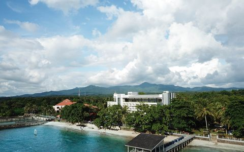 Aston Anyer Beach Hotel Named Best Hotel by Banten Provincial Government