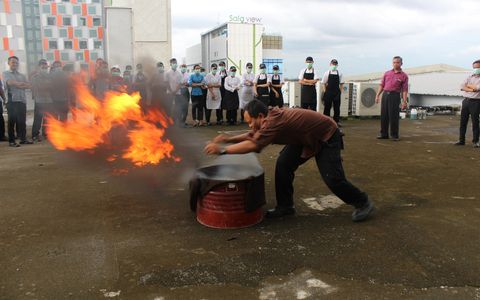 Aston Solo Hotel held a Fire Drill training