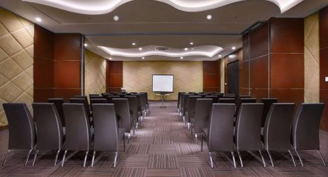 We provide a comfortable meeting room up to 30 pax for your need in Bandar Lampung
