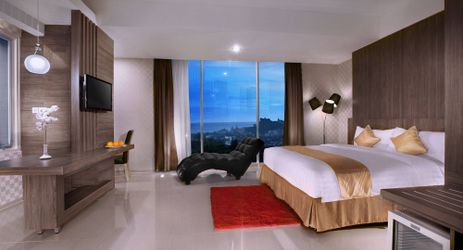 The beautifully sea view and Hills view in Hotel at Bandar Lampung