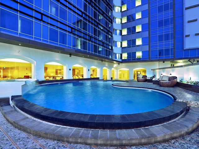 Aston semarang hotel convention center facilities services for Swimming pool service software