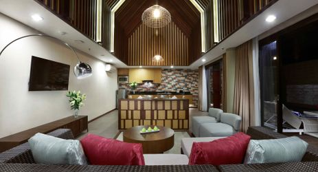 A living room to gather with family when visiting the best hotel surrounded by mountain view in Sentul area