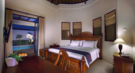 A luxurious 1-bedroom villa with private pool in a beautiful resort to stay in gili trawangan island lombok