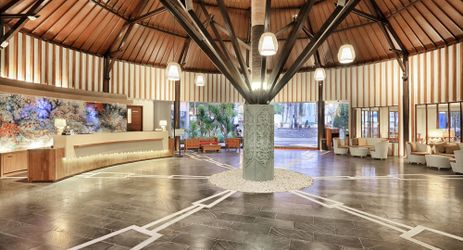 A huge warm welcoming lobby of a beautiful resort to stay when visit gili trawangan island lombok for holiday