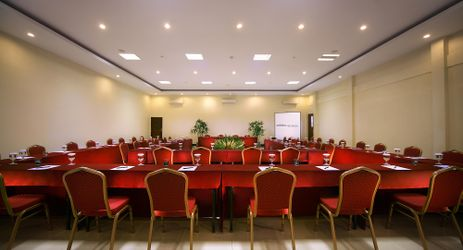 A spacious meeting room to host meeting, workshop, training or party in a beautiful resort to stay when visit gili trawangan island lombok