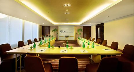 Medium-sized conference rooms (Tulip, Edelweis and Chrysantium) provide event organisers with flexible space for meetings or training sessions