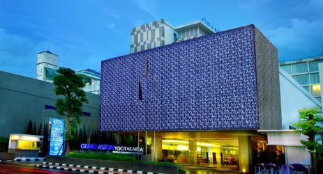 The luxurious 5 star hotel in the heart of the city of Yogyakarta