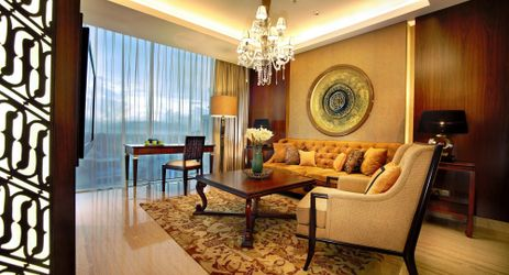 The spacious 94 sqm suites have a distinctly residential ambiance and include an inviting living room and a separate bedroom with a Javanese style perfect for family and business people while staying in Yogyakarta
