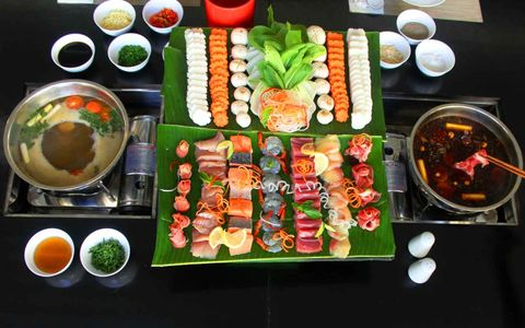 The First Szechuan Steamboat in Bali