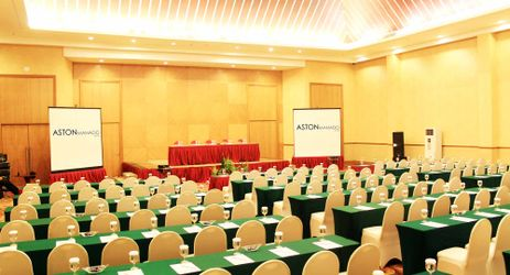 Ballroom to host business meeting, workshop, training or wedding, birthday party or any reception in in modern stylish classy hotel in manado