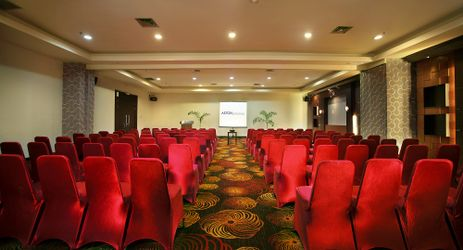 Shown here a theatre setup that can host up to 60-75 people