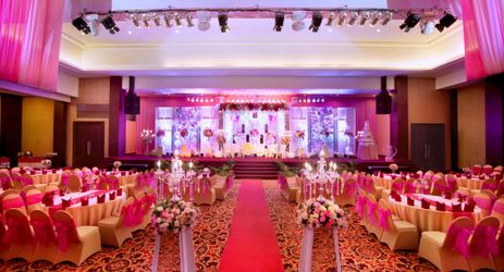 A largest indoor function room to host business meeting, workshop, training, wedding, birthday party or any reception while in Samarinda.