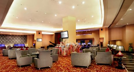 A cozy bar and lounge with sport theme, live music performance and sports channel everyday, a perfect place to chill out, have a drink with friends while have a business or holiday in Samarinda.
