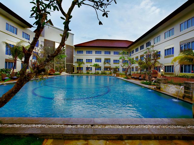 Aston tanjung pinang hotel and conference center facilities services for Aston swimming pool opening times