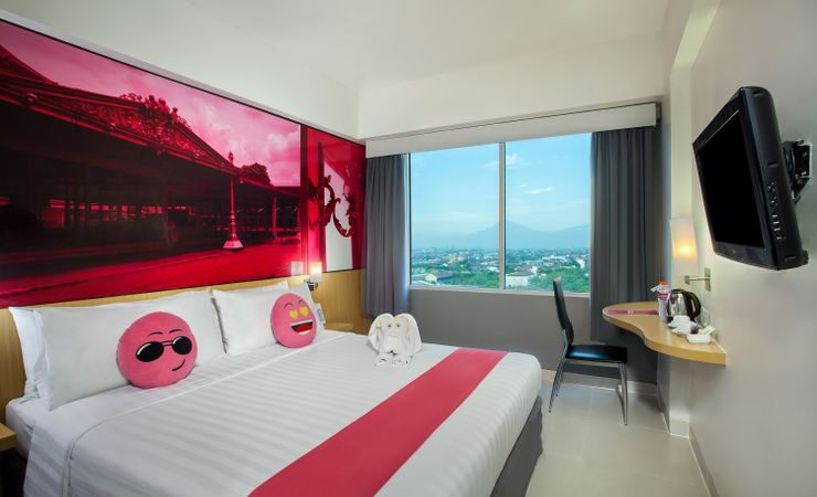 Enjoy the room with good view from window overlooking city of Solo