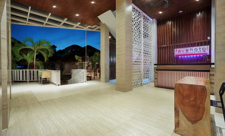 Simple and minimalist Lobby for budget hotel in strategic area for your holiday in Kuta Bali.