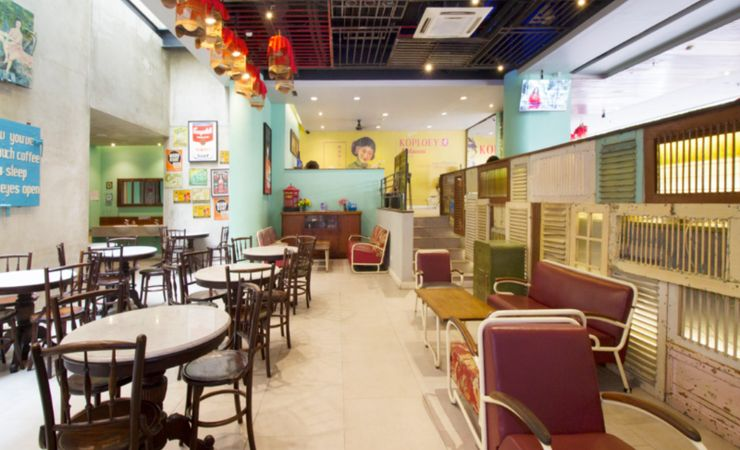 A cozy place to enjoy the food and beverage during breakfast, lunch, and dinner with a classical atmosphere.