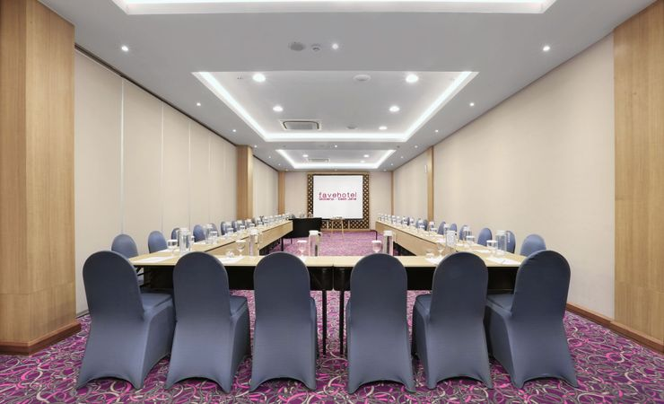 The 82 sqm of meeting room, well provided with table set up arrangement, meeting tools kit, Ac and water dispenser for your refillable water during your meeting
