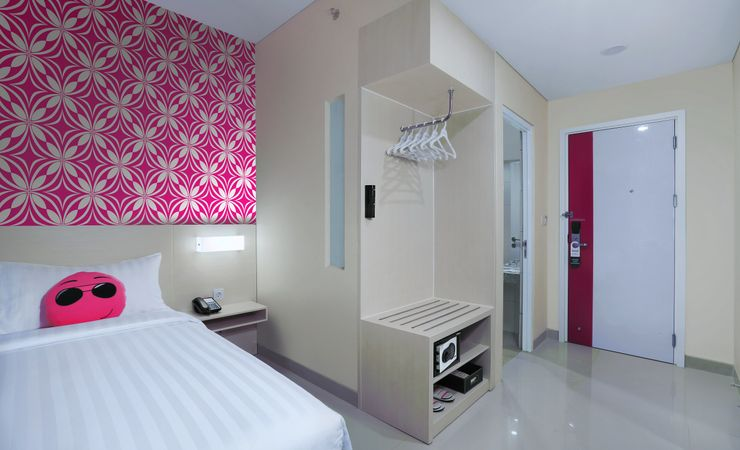 The cozy and stylish 18,5 sqm good room comes equipped with all your modern comforts and amenities.