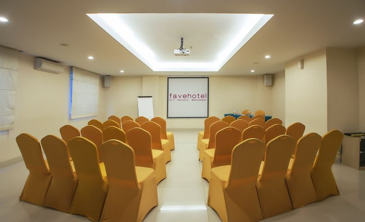 Indoor meeting room, host you for Gathering, Meeting, Conference, Wedding, Birthday Party, in Balikpapan