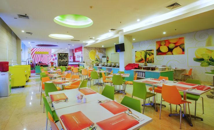 A warm and comfy Cafe, host you for Family or Friend Gathering, Small Lunch or Dinner in Balikpapan