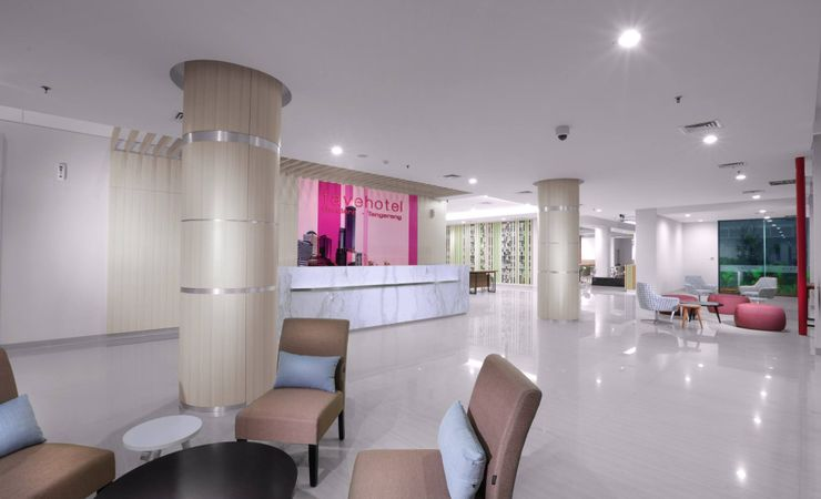 Pleasantly modern lobby located near the airport