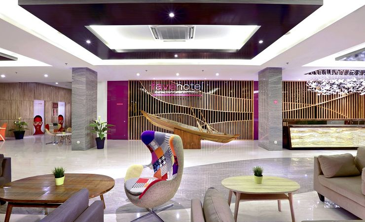 The combination of style & function outfitted for a luxurious escape in lobby, fresh designed and a modern fun also friendly in favehotel banjarbaru
