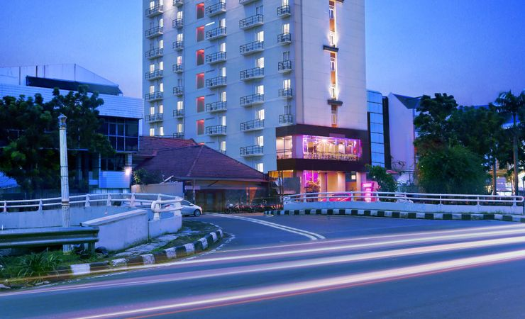 Hotel in Central of Jakarta which easy access to shopping mall, food district and corporate offices