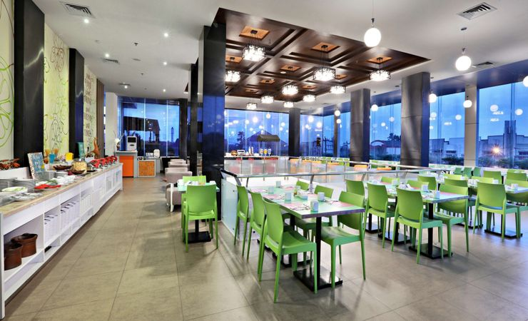 restaurant indoor and outdoor for the great breakfast, lunch and dinner