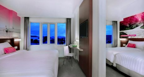 Experience comfortable,with retro style, enjoy the connecting room and best choice for family trip, fresh look with balcony to access the sea for budget hotel in Cilacap