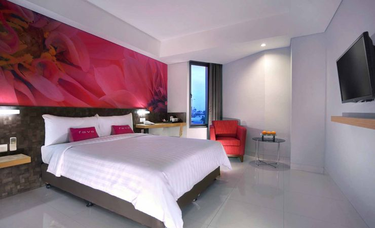 A spacious and suitable room for family of Budget hotel to stay while in Makassar