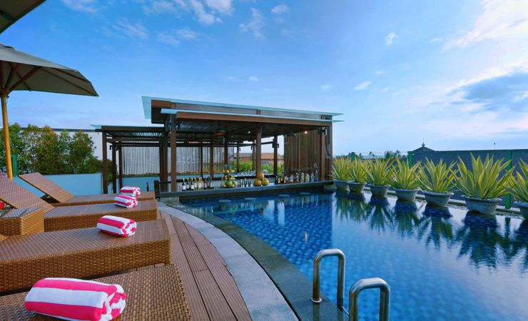The rooftop swimming pool is a great area to chill out after a day of shopping and sightseeing in Kuta Bali