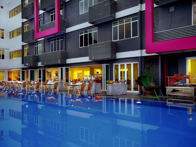 Favehotel cenang beach langkawi facilities services for Swimming pool service software