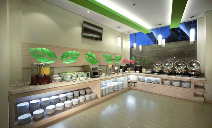 Enjoy breakfast, Lunch, Dinner and coffee at Lime Cafe and Restaurant in Langko Mataram - Lombok with stall.