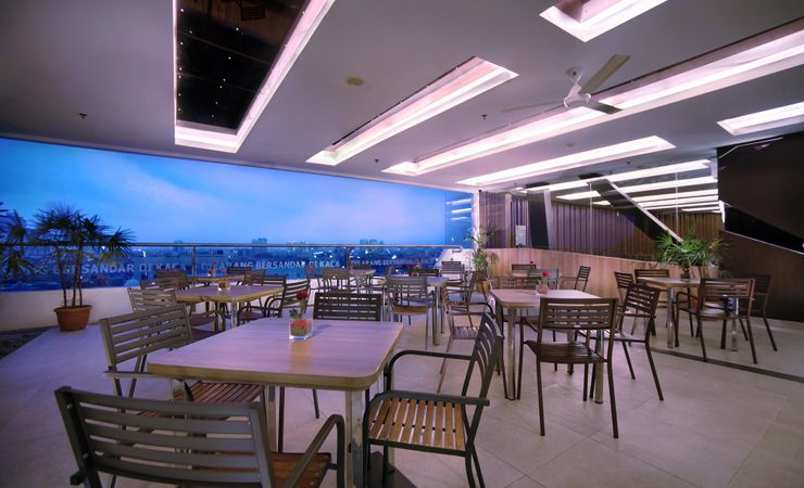 Restaurant facility for the guest to enjoy the city view, is ideal for hang out and drinks, the server will offer the interest cocktails and mocktails ( Smoking Area )