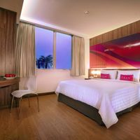 Enjoy Modern and Minimalist Room Suitable for Business Trip and Young Travellers