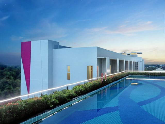 Favehotel madiun facilities services for Aston swimming pool opening times