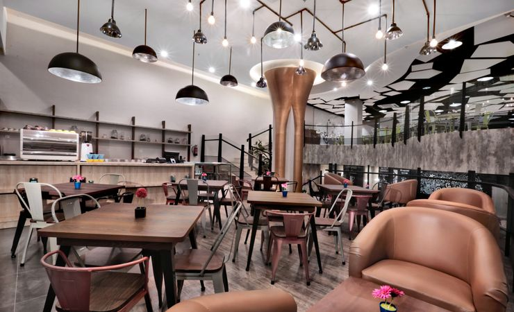 Coffee Shop is a modern and stylish place settled next to Lobby area with 85 seating capacity