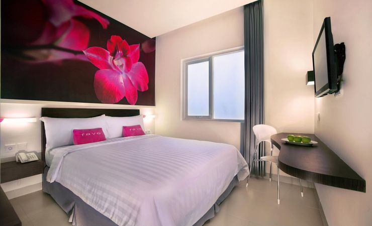 A 20 sqm room with unique design, Feel our FUN FRESH and FRIENDLY motto inside our rooms. Suitable for business trip or family holiday.