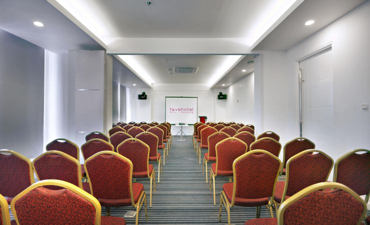 A private meeting room for various events