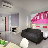 A fun and colorful rooms for your stay