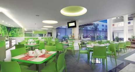 Offering a comfort place to enjoy the Signature Dish while chitchat with friends and family
