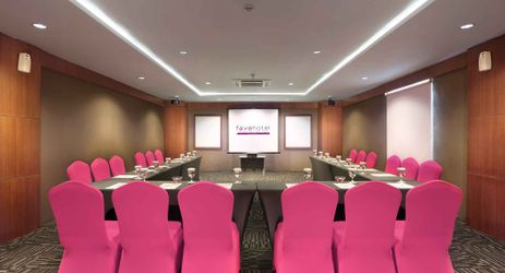 A minimalist meeting room to host business meeting, training, wedding, birthday party and private gathering in a budget hotel in Seminyak Bali