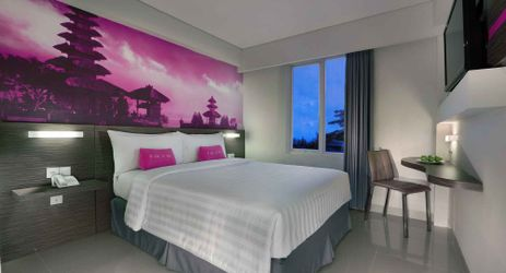 clean and comfortable deluxe room with king size bed of a budget hotel which suit for business traveler and honeymooner for your memorable holiday during stay in Seminyak Bali