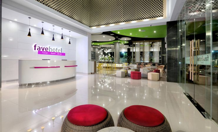 Bright Modern Hotel with Excellent Service for fast & smooth check in.