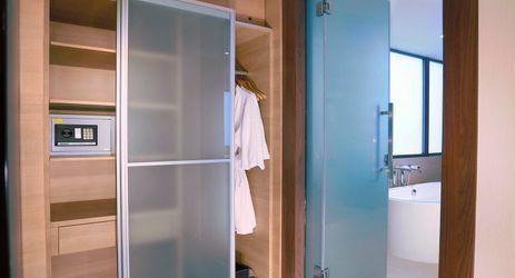 Suite Room - wardrobe