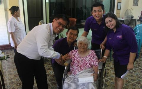 Quest Hotel Management Entertain Senior Citizens